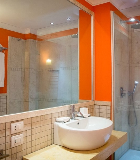 suite-hotel-riviera-bathroom-4.jpg