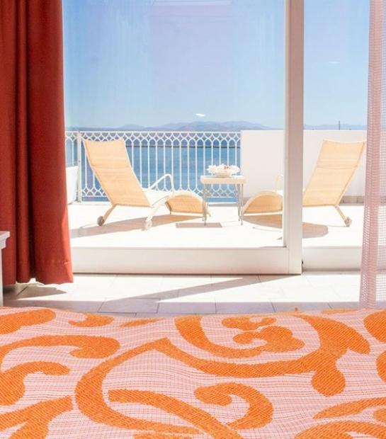 suite-hotel-riviera-terrace-2.jpg
